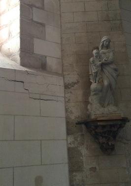 Fissures et infiltrations, église en péril à Vinneuf, Yonne